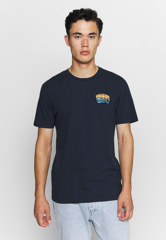 PEARYS  - Camiseta estampada - navy