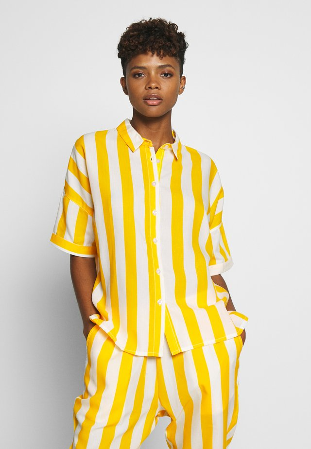 SHORT SLEEVE NIBE BIG STRIPES - Chemisier - yellow