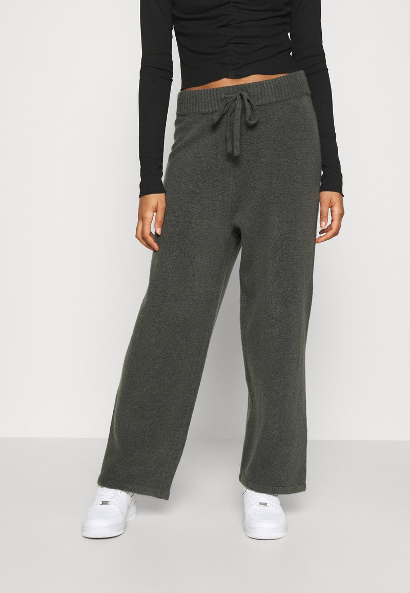 Monki - MAJA TROUSERS - Verryttelyhousut - grey dark