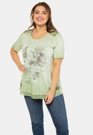 Print T-shirt - helles salbei