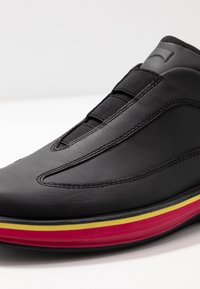 Camper - ROLLING - Mocasines - black - 2