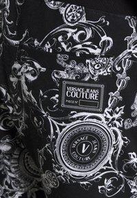 Versace Jeans Couture - BRUSHED PRINT REGALIA BAROQUE - Verryttelyhousut - nero - 8