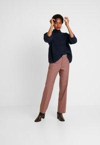 Leon & Harper - PHILIBERT CHECK - Trousers - camel - 1