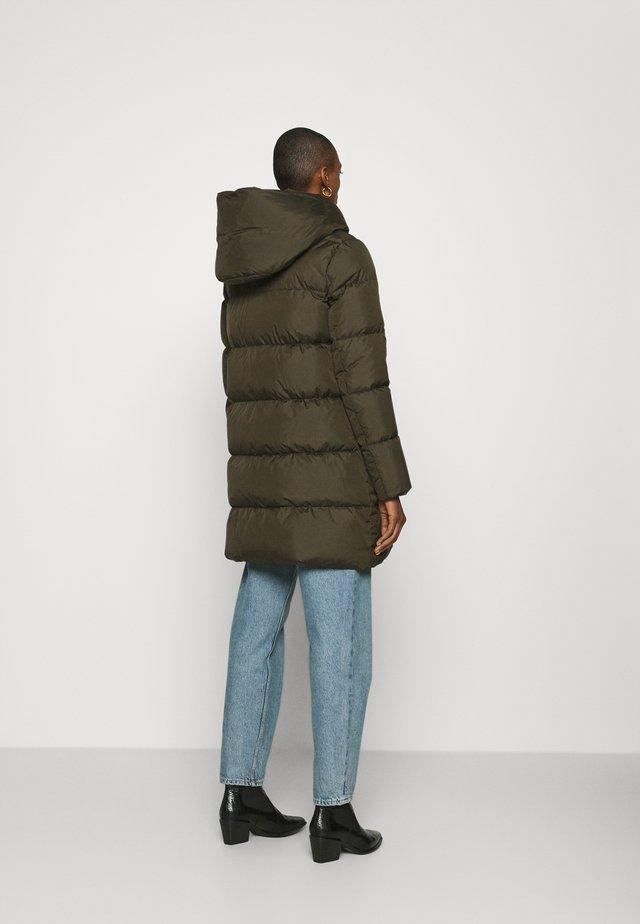 Abrigo de plumas - khaki