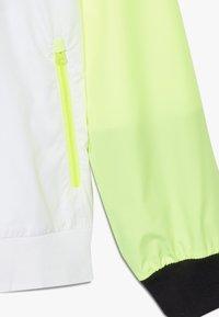 Nike Sportswear - Sportovní bunda - white/black/volt - 2