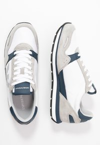 Emporio Armani - ZONE - Sneakers - grey/white - 1