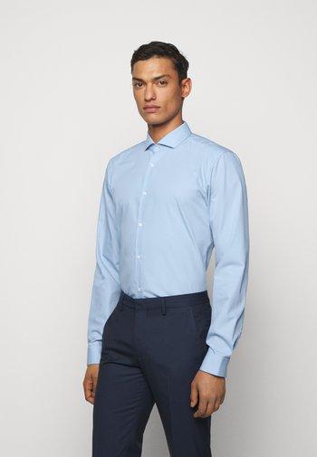 ERRIK SLIM FIT - Formal shirt - light pastel blue