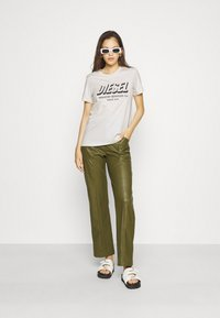 Diesel - SILY - Print T-shirt - off white - 1