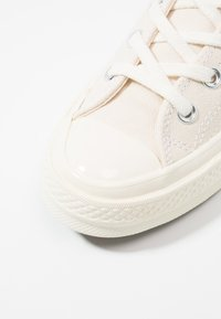 Converse - CHUCK TAYLOR ALL STAR 70 OX - Trainers - mono natural - 5