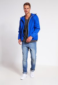 K-Way - LE VRAI CLAUDE UNISEX - Regenjas - royal - 1