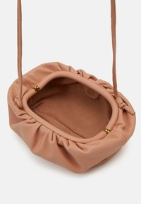 Steve Madden - NIKKI POUCH - Across body bag - tan - 2