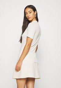 Pieces - PCBIRDIE TNECK  - Basic T-shirt - whitecap gray - 2
