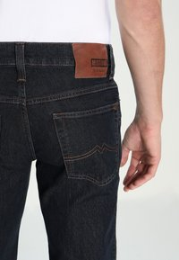 Mustang - PANTS - Straight leg jeans - stone washed - 4