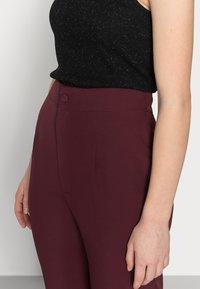Missguided Petite - TAILORED CIGARETTE TROUSER - Trousers - plum - 3