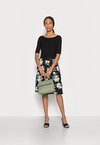 Anna Field - BOAT NECK PRINT DRESS WITH SOLID SKIRT - Jersey dress - black - 1