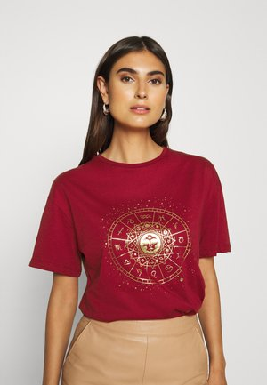 T-shirt con stampa - burgundy