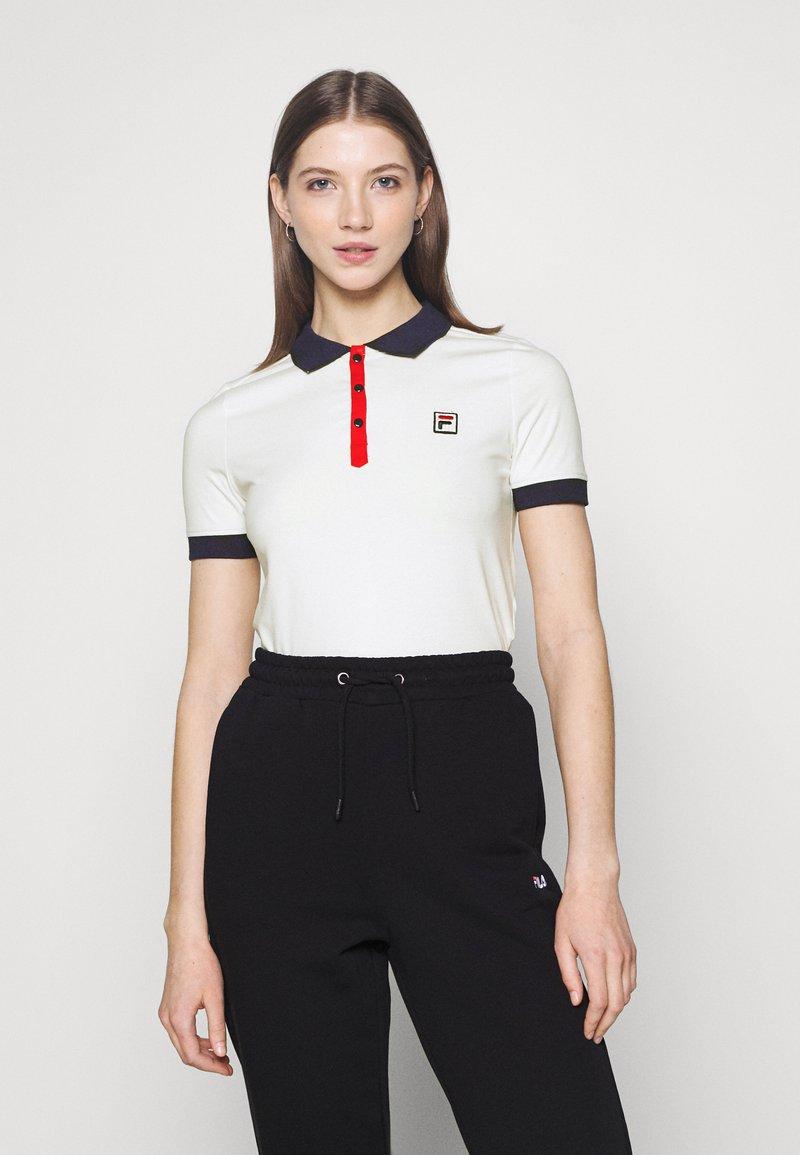 Fila - HATEYA - Print T-shirt - blanc de blanc/black iris