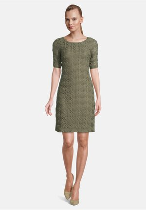 MIT RUNDHALSAUSSCHNITT - Day dress - dusty olive