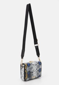 Steve Madden - BLIZI XBODY - Across body bag - blue - 1