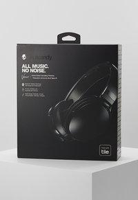 Skullcandy - VENUE ANC WIRELESS - Headphones - black - 4