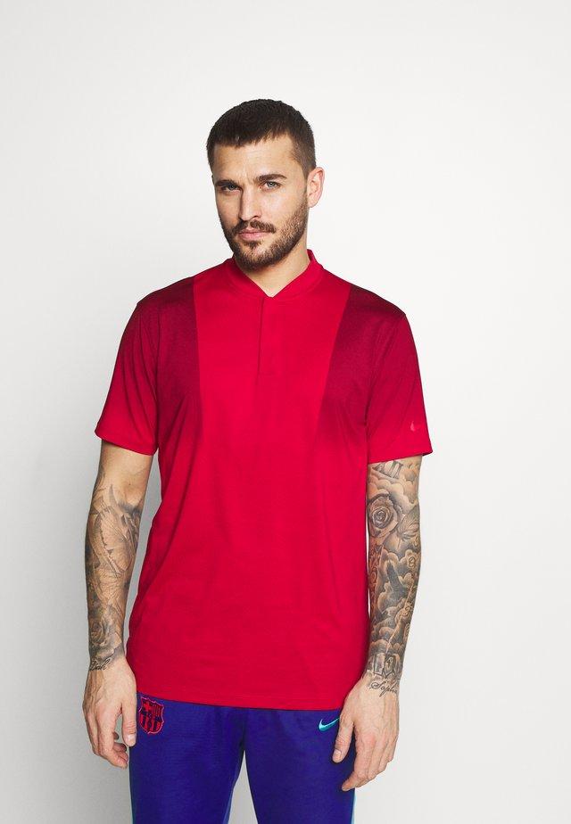 TIGER WOODS DRY BLADE - T-shirt imprimé - gym red/team red