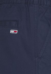 Tommy Jeans - SCANTON DOBBY  - Kalhoty - twilight navy - 2