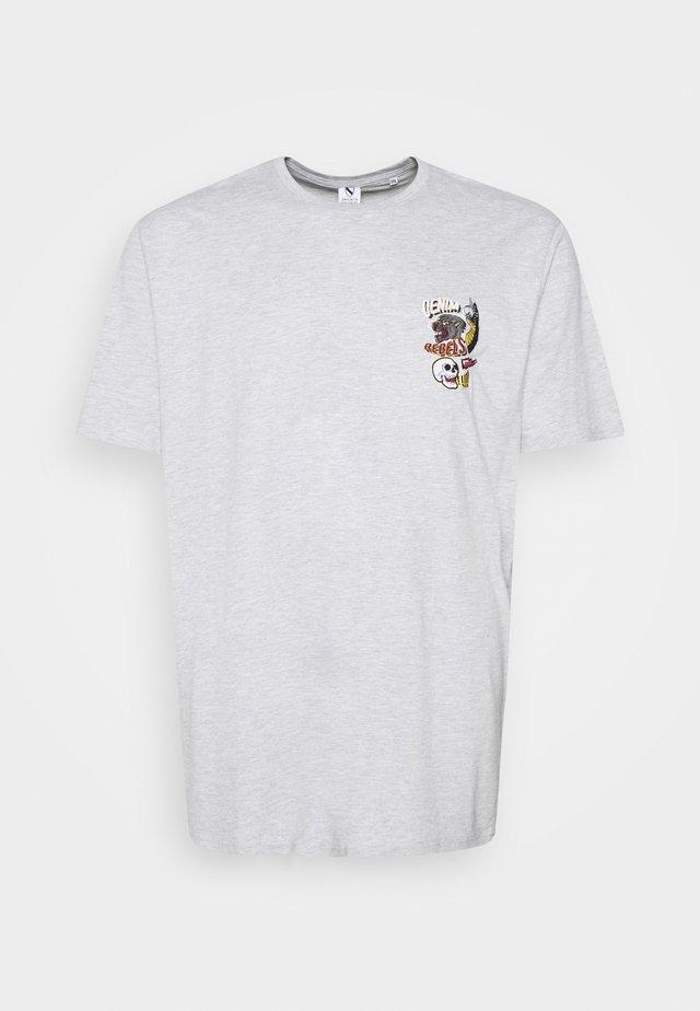 PRINTED TEE  - T-shirt z nadrukiem - grey mel