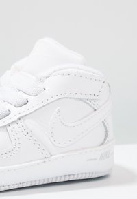 Nike Sportswear - FORCE 1 (CB) - First shoes - white - 5