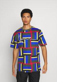 Karl Kani - SIGNATURE BLOCK TEE - Print T-shirt - green - 0