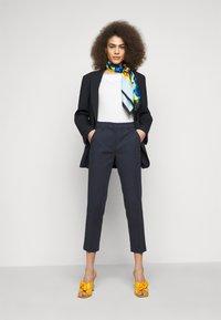WEEKEND MaxMara - VITE - Pantalon classique - blau - 1