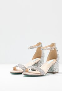 Blue by Betsey Johnson - MARI - Sandály - champagne - 4
