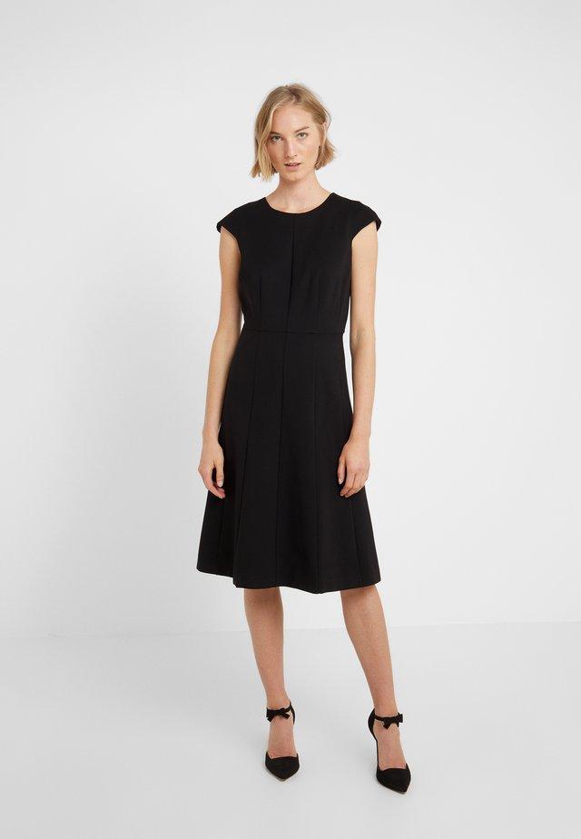 MATHILDE DRESS STRETCH SUITING - Vestito di maglina - black