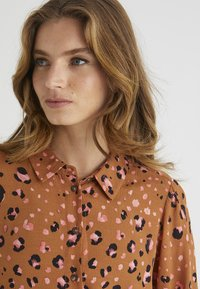 Oliver Bonas - Camisa - brown - 3