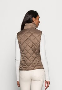 Marc O'Polo - VEST STAND UP COLLAR FRONT ZIPPER - Waistcoat - nutshell brown - 2