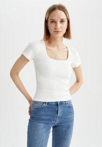 DeFacto - Basic T-shirt - ecru - 0