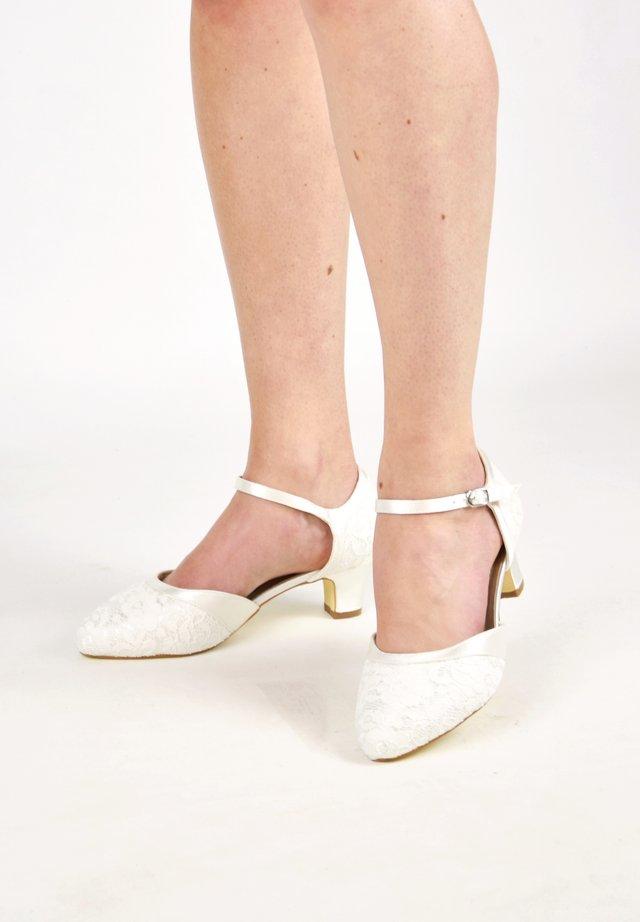 INGRID-SPITZE - Bridal shoes - ivory