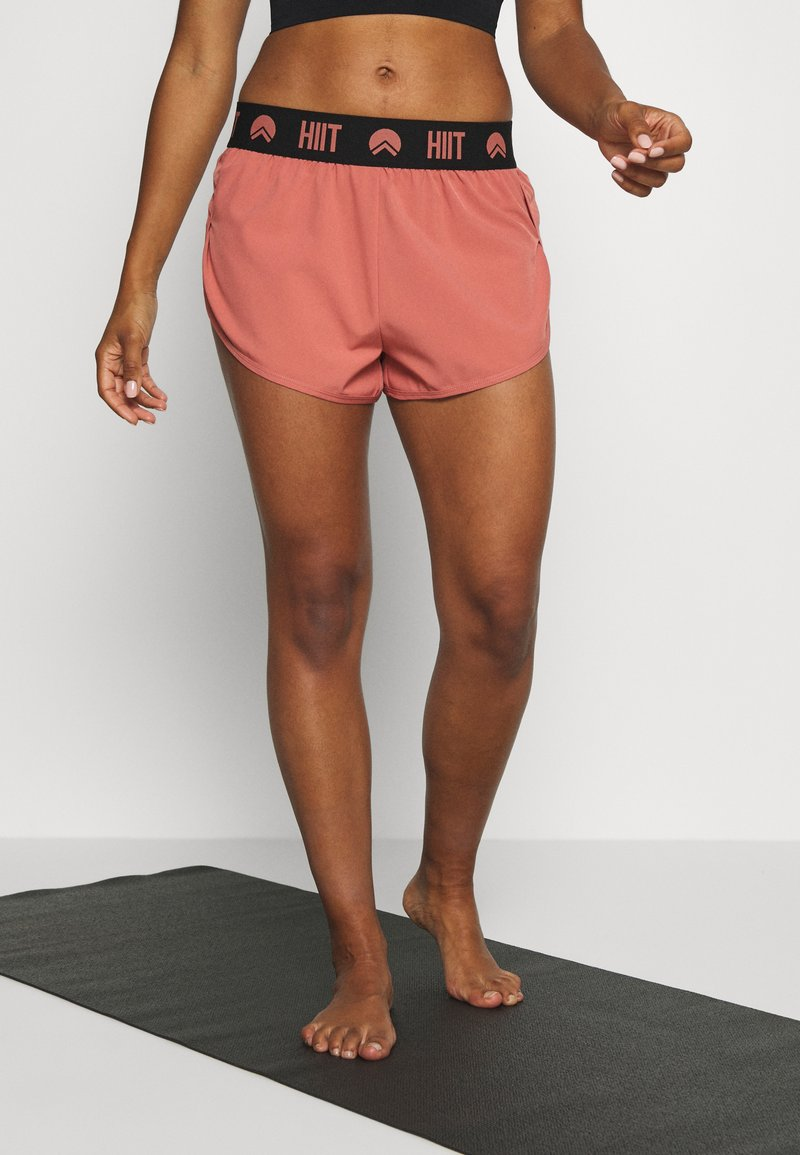 HIIT - ESSENTIAL BRANDED SHORT - Sports shorts - salmon