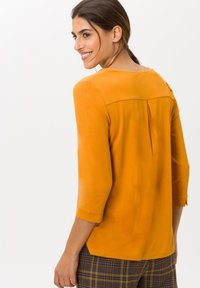 BRAX - STYLE CLARISSA - Long sleeved top - butternut - 2
