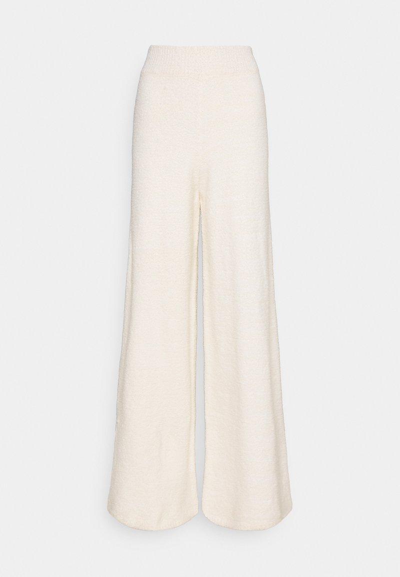 NA-KD - NA-KD X ZALANDO EXCLUSIVE - FLUFFY PANTS - Spodnie materiałowe - white