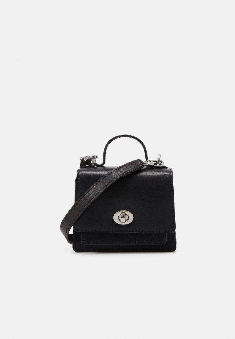 Royal RepubliQ - NEW CONDUCTOR MINIATURE BAG - Taška spříčným popruhem - black