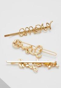 Pieces - PCSANNE HAIRCLIPS 3 PACK - Accessoires cheveux - gold-coloured - 2