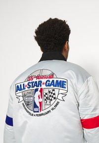 Mitchell & Ness - NBA ALL STAR  HEAVYWEIGHT JACKET - Training jacket - grey/platinum - 5
