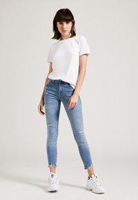 Phyne - T-shirt basique - white - 1