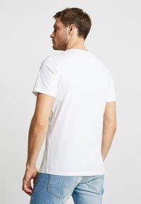 TOM TAILOR - 2 PACK - T-shirt - bas - white - 2