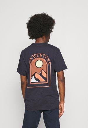 DESERT RIDER AZUL - T-shirt print - dark blue