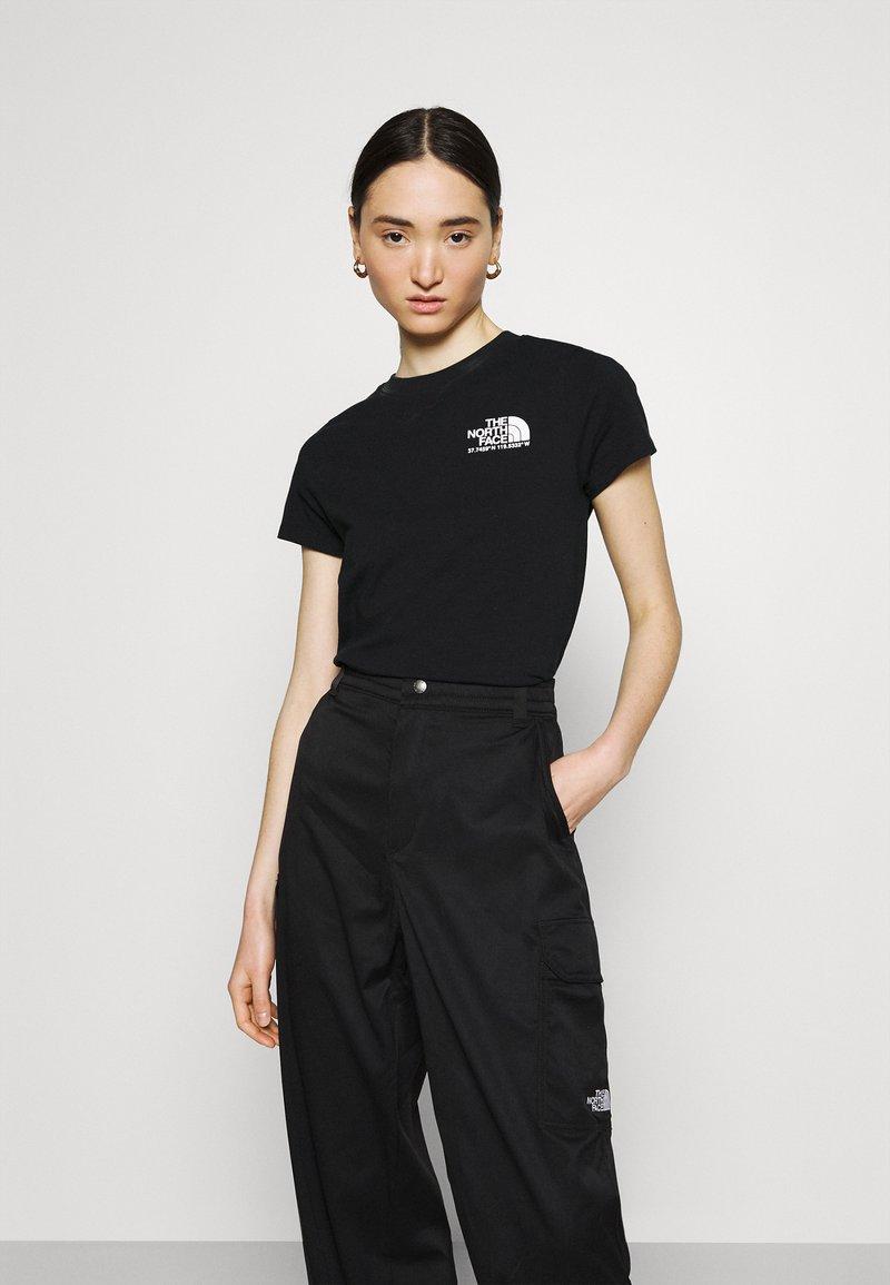 The North Face - COORDINATES TEE - Print T-shirt - black