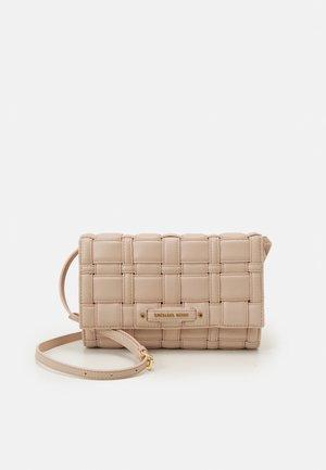IVY  XBODY - Across body bag - soft pink
