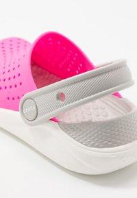 Crocs - LITERIDE UNISEX - Pool slides - electric pink/white - 2