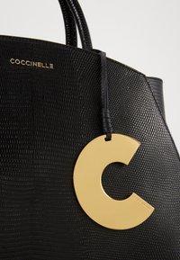 Coccinelle - CONCRETE LIZARD - Handbag - noir - 3