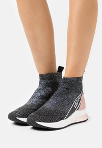 Liu Jo Jeans - KARLIE MID  - High-top trainers - black - 0